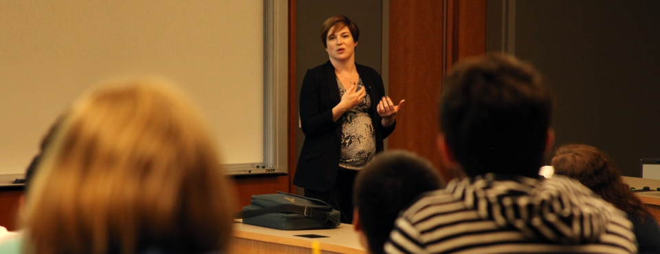 Moira Whelan, deputy assistant secretary for digital strategy with the U.S. State Department speaks to students